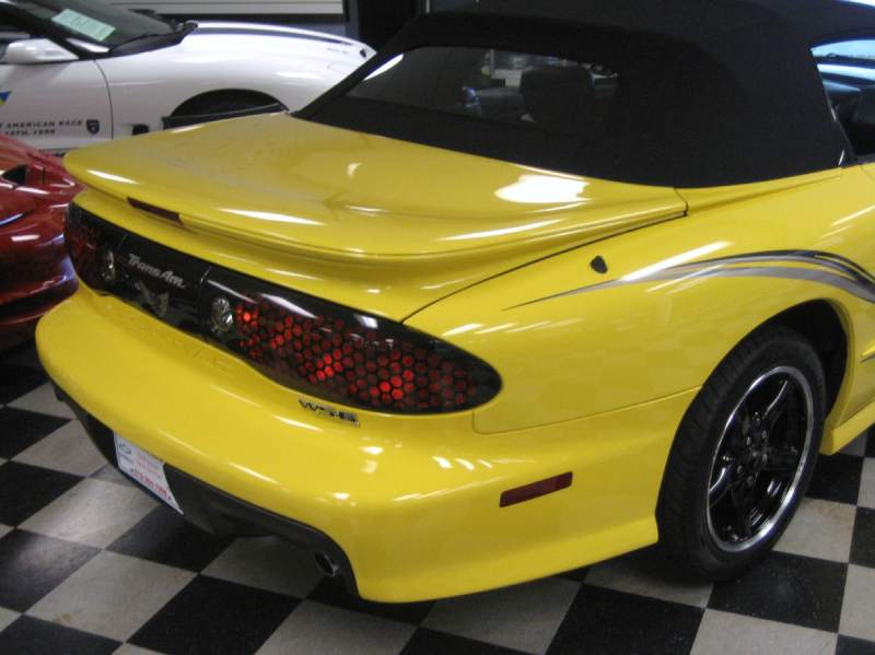 2002COLLECTORWS6TRANSAM6SPEEDCONVERTIBLE/30.JPG